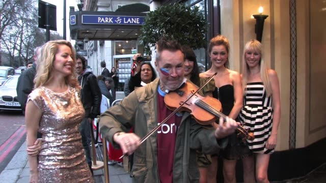 nigel kennedy, gay yee westerhoff, tania davis, elspeth hanson and eos chater of bond arrive for the south bank sky arts awards sky arts awards -... - dorchester hotel stock videos & royalty-free footage