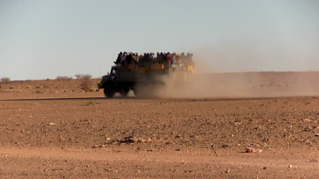 / Niger Agadez migrants who leave the town in trucks to cross the desert