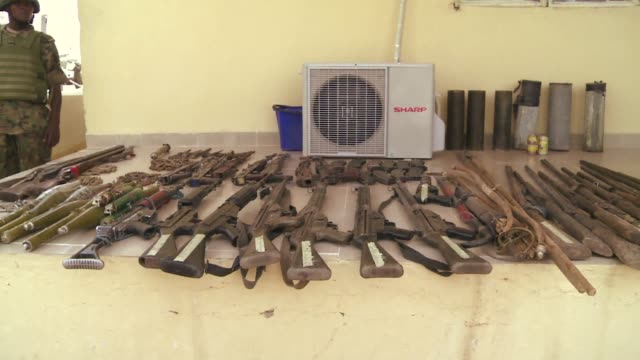 Nigerias military on Wednesday disclosed details of an offensive against Islamist militants displaying weapons allegedly seized from Islamist...