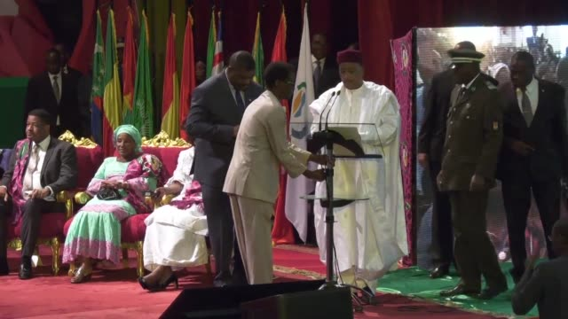 niger's president mahamadou issoufou said thursday his country had been attacked by terrorist groups and there had been many casualties in comments... - mahamadou issoufou stock videos and b-roll footage