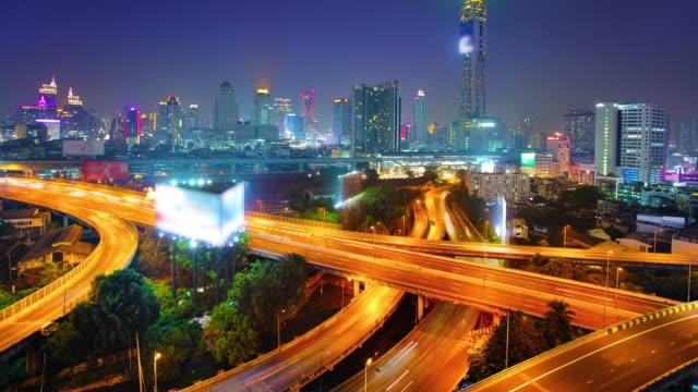 vídeos de stock, filmes e b-roll de noite bangkok. - alto descrição geral