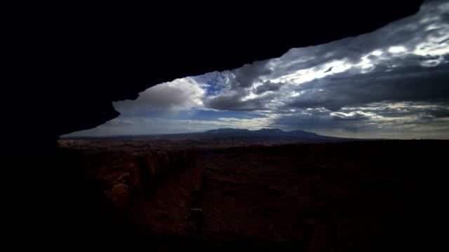stockvideo's en b-roll-footage met night base cloud time 2 - grot