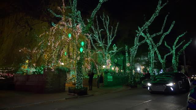 night christmas holiday street lights people crowd new york - snow chroma key stock videos & royalty-free footage