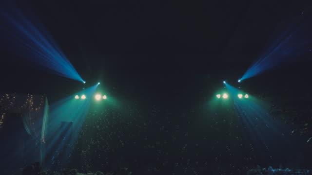 ナイトクラブの光のショー - ダンスミュージック点の映像素材/bロール