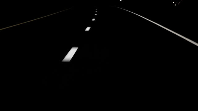stockvideo's en b-roll-footage met night drive curved lines hd - wegmarkering
