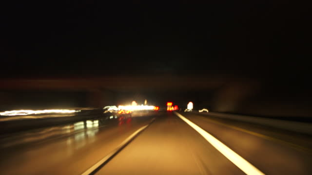 hd night driving on highway (time lapse) - geschwindigkeit stock videos & royalty-free footage