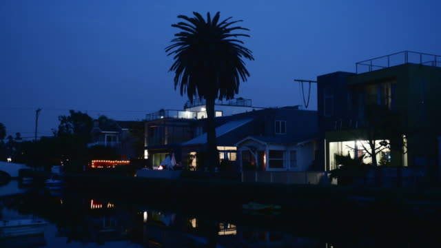 night exterior venice beach houses on the canals - venice california stock videos & royalty-free footage