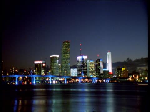 night falls over miami - stil der 2000er jahre stock-videos und b-roll-filmmaterial