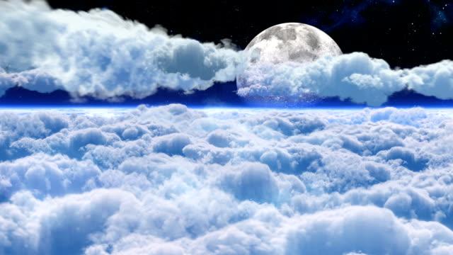 vidéos et rushes de vol de nuit au-dessus des nuages - temps qu'il fait