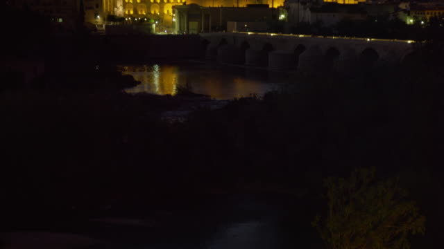 TU LS night from Guadalquivir river to Cathedral-Mosque, and Cathedral