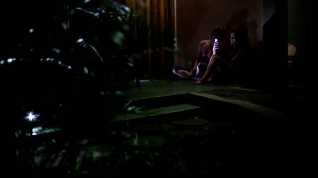 vídeos y material grabado en eventos de stock de la noche en la selva - t mobile
