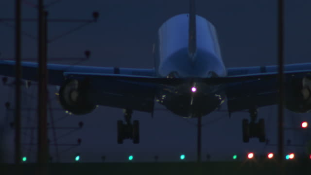 night landing at lax - landing touching down stock videos & royalty-free footage