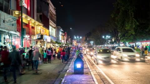 vidéos et rushes de marché de nuit de yogyakarta - indonésie