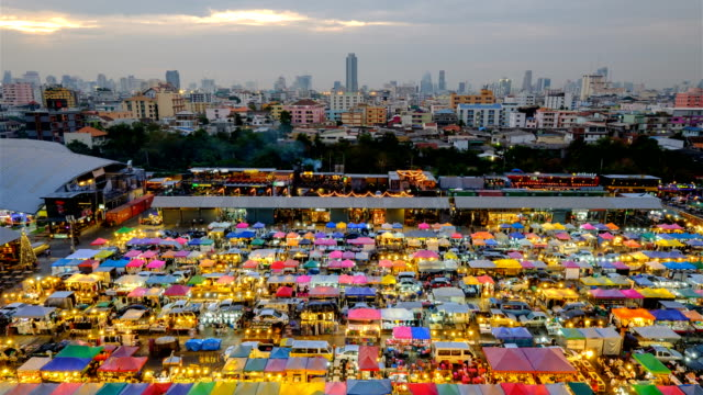 night market train a second-hand market, back of esplanade ratchadapisek department store. - bangkok stock videos & royalty-free footage