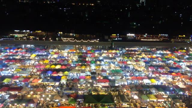 stockvideo's en b-roll-footage met avondmarkt - bovenste deel