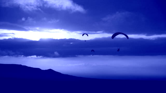 night paragliding - paragliding stock videos & royalty-free footage