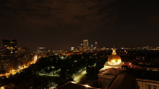 tl night shot of boston downtown from beacon hill -zoom in - spoonfilm stock-videos und b-roll-filmmaterial