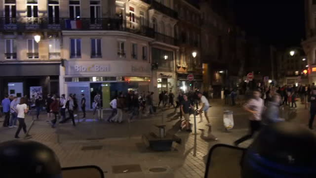 vídeos de stock, filmes e b-roll de night shots of french riot police england football fans clashing ahead of england's nect group game filmed on june 16 2016 in lille france - euro 2016