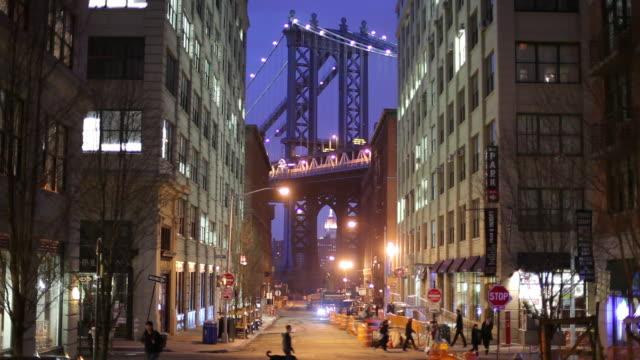 ws night street scene with manhattan bridge / dumbo, new york city, usa - brooklyn new york stock videos & royalty-free footage