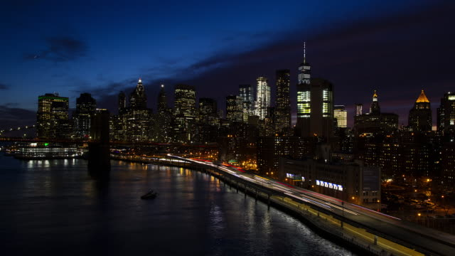 nächtlicher ablauf new york city innenstadt von manhattan - non urban scene stock-videos und b-roll-filmmaterial