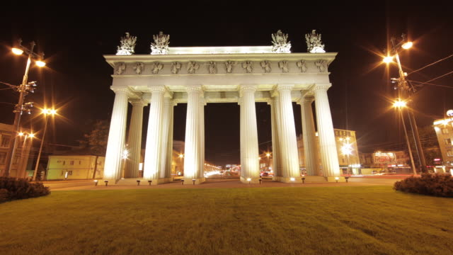 night time lapse shot through the moscow triumphal gates in st petersburg. - russia stock videos and b-roll footage
