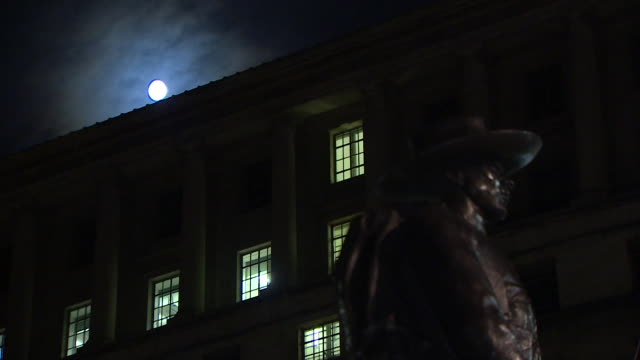 night time view of the ministry of defence building in london - department of defense stock videos & royalty-free footage
