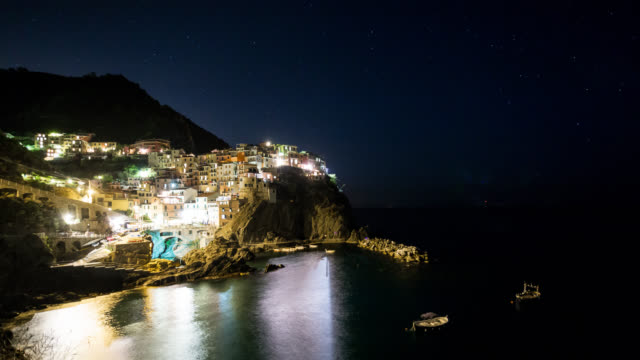5 TERRE - TL: Night TimeLapse of Manarola in Liguria, 5 Terre