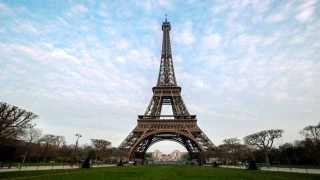HD Night to Day Timelapse: Eiffel Tower Paris in Action