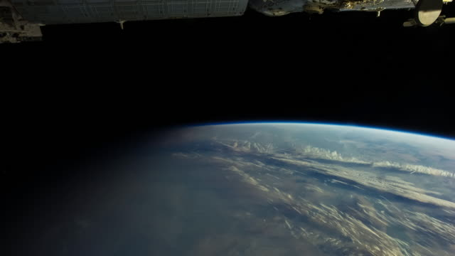 Night to Day to Night on Earth from ISS - Timelapse
