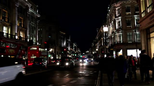 夜のトラフィックをロンドン regent street - 店頭点の映像素材/bロール