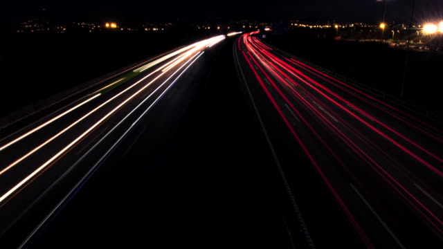 night traffic time lapse, tl, ws - fanale anteriore video stock e b–roll