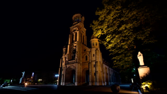 night view of jeondong-cathedral (korea historic place 288) - religiöse stätte stock-videos und b-roll-filmmaterial