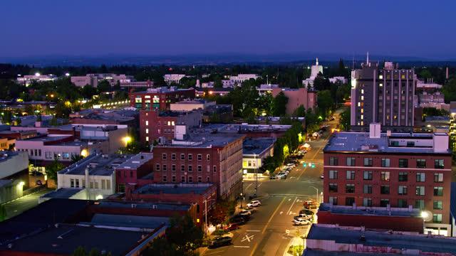 nighttime street in salem, oregon - oregon us state stock videos & royalty-free footage
