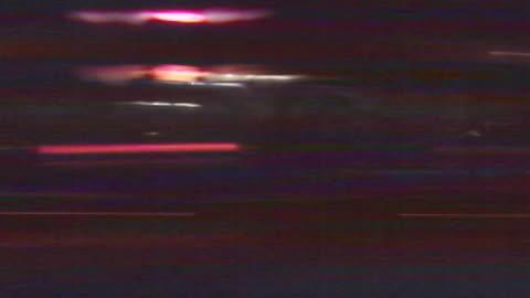 vidéos et rushes de nighttime streetlights streak by. - phare arrière de véhicule