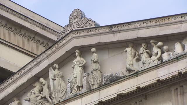 kã¶nigsplatz, roof with sculptures - sun roof stock videos & royalty-free footage