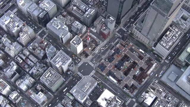 aerial, nihonbashi along chuodori st, tokyo - 動画関連点の映像素材/bロール