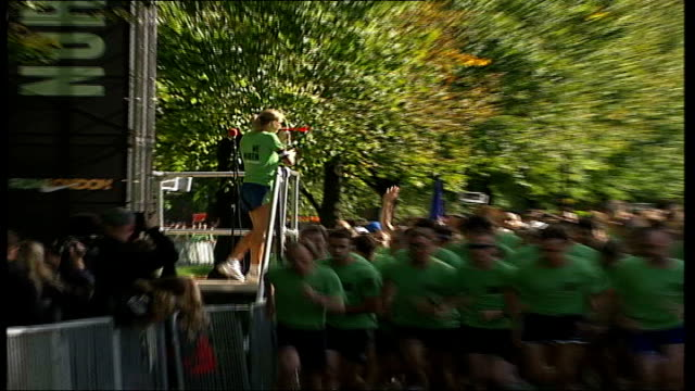 nike 10k 'run london' race sets north vs south paula radcliffe sounding starting klaxon on platform pull out runners of both teams towards sot... - nike designer label stock videos and b-roll footage