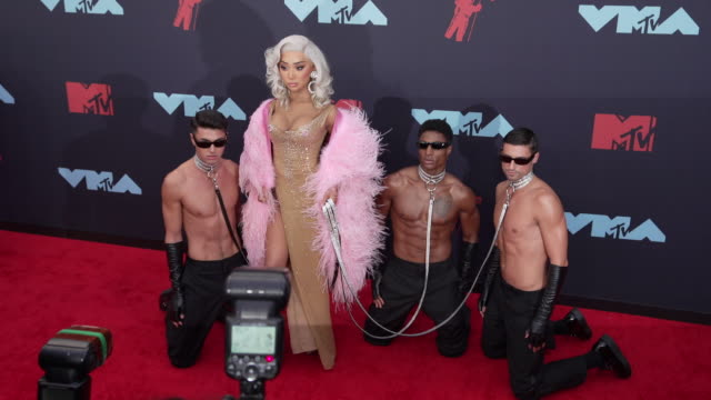 nikita dragun at 2019 mtv video music awards at prudential center on august 26, 2019 in newark, new jersey. - mtv video music awards stock videos & royalty-free footage