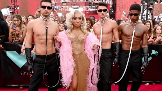 nikita dragun attends the 2019 mtv video music awards at prudential center on august 26, 2019 in newark, new jersey. - mtv video music awards stock videos & royalty-free footage