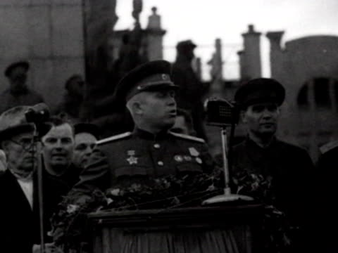nikita khrushchev speaking to crowd in newly liberated from wehrmacht city of kharkov - soviet military stock videos & royalty-free footage