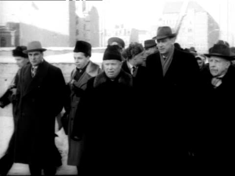 nikita khrushchev touring east berlin shaking hands with military officials khrushchev visiting east berlin on august 13 1961 in berlin germany - kalter krieg stock-videos und b-roll-filmmaterial
