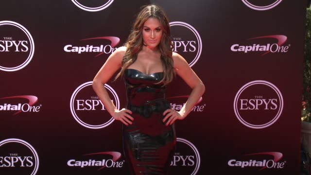 vídeos de stock, filmes e b-roll de nikki bella at the 2016 espy awards at microsoft theater on july 13 2016 in los angeles california - espy awards