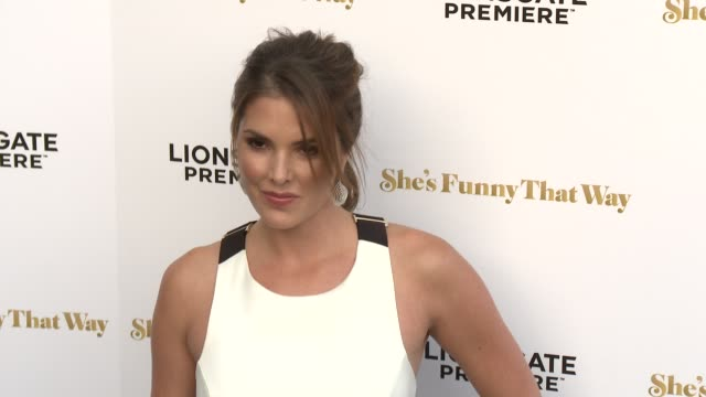 """nikki moore at the """"she's funny that way"""" los angeles premiere at harmony gold theatre on august 19, 2015 in los angeles, california. - she's funny that way点の映像素材/bロール"""