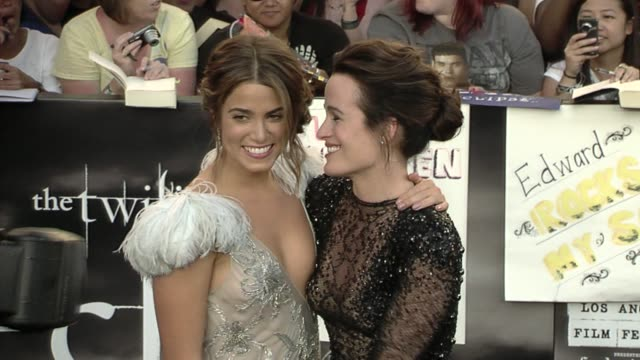 nikki reed and elizabeth reaser at the 'the twilight saga: eclipse' premiere at los angeles ca. - nikki reed stock videos & royalty-free footage