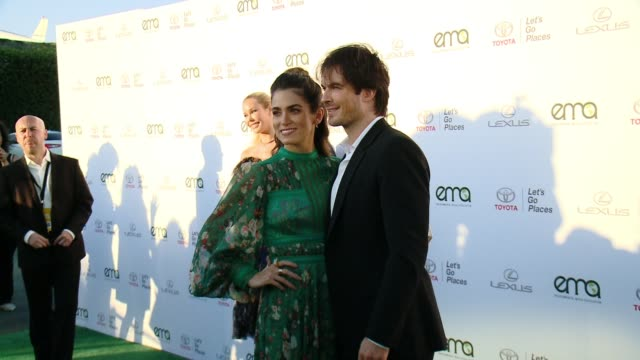 nikki reed and ian somerhalder at the 27th annual environmental media association awards at barker hangar on september 23 2017 in santa monica... - barker hangar stock videos & royalty-free footage