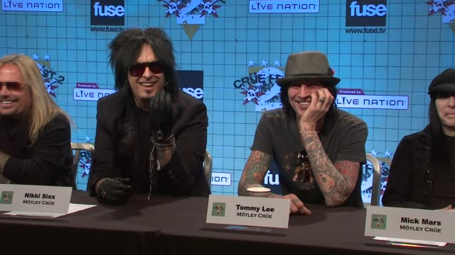 vidéos et rushes de nikki sixx and tommy lee on pulling double duty and talks about the film adaptation of 'the dirt' at the motley crue announces crue fest 2 at new... - s'adapter