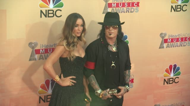 vídeos de stock, filmes e b-roll de nikki sixx at the 2015 iheartradio music awards red carpet arrivals at the shrine auditorium on march 29 2015 in los angeles california - shrine auditorium