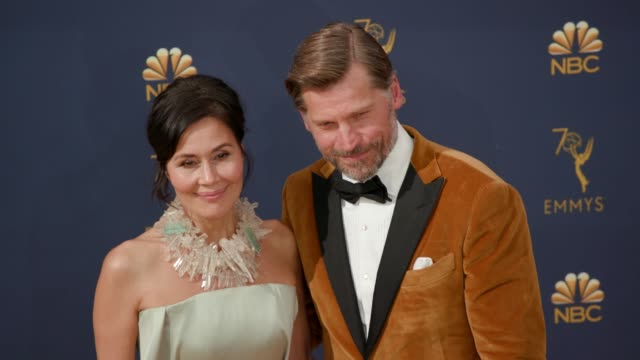 vídeos de stock, filmes e b-roll de nikolaj costerwaldau and nukaaka costerwaldau at the 70th emmy awards arrivals at microsoft theater on september 17 2018 in los angeles california - 70th annual primetime emmy awards