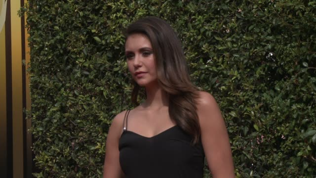 vídeos de stock e filmes b-roll de nina dobrev at the 2015 creative arts emmy awards at microsoft theater on september 12, 2015 in los angeles, california. - microsoft theater los angeles