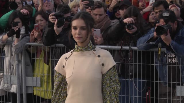 stockvideo's en b-roll-footage met nina dobrev attends the louis vuitton show as part of the paris fashion week womenswear fall/winter 2019/2020 on march 5 2019 in paris france - louis vuitton modelabel